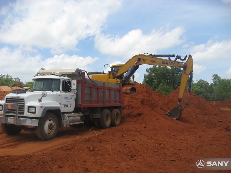 三一挖掘机在阿尔及利亚施工