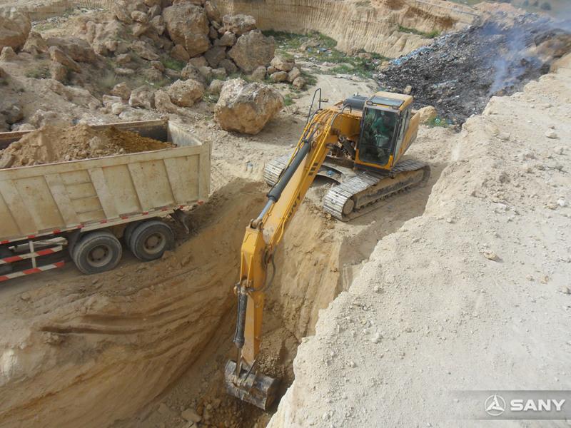 三一挖掘机在阿尔及利亚施工现场