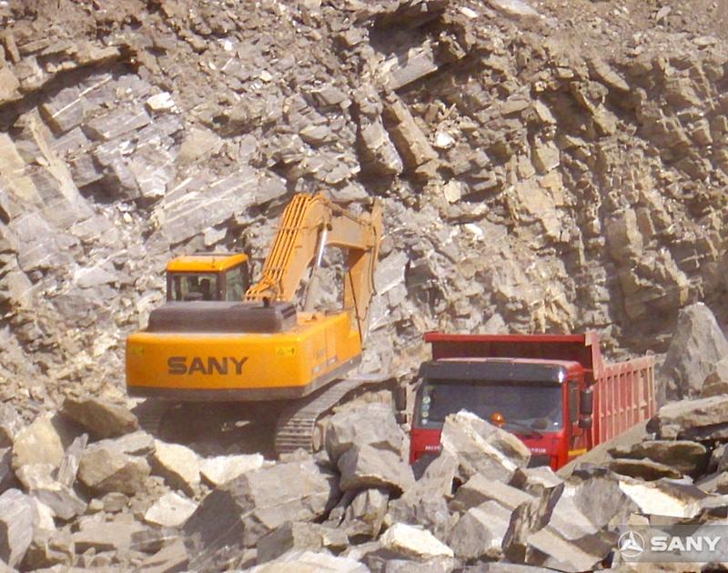 三一挖掘机在尼日利亚采石场