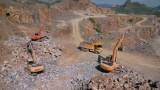 三一挖掘机在泰国采石场