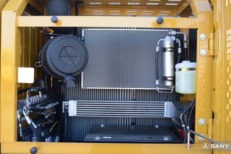 三一挖机空调冷凝器及消声器