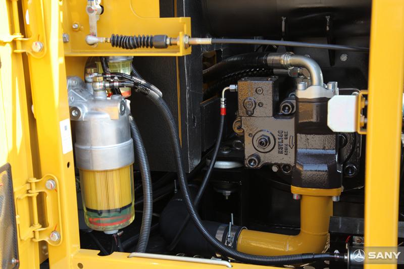 液压挖掘机油水分离器