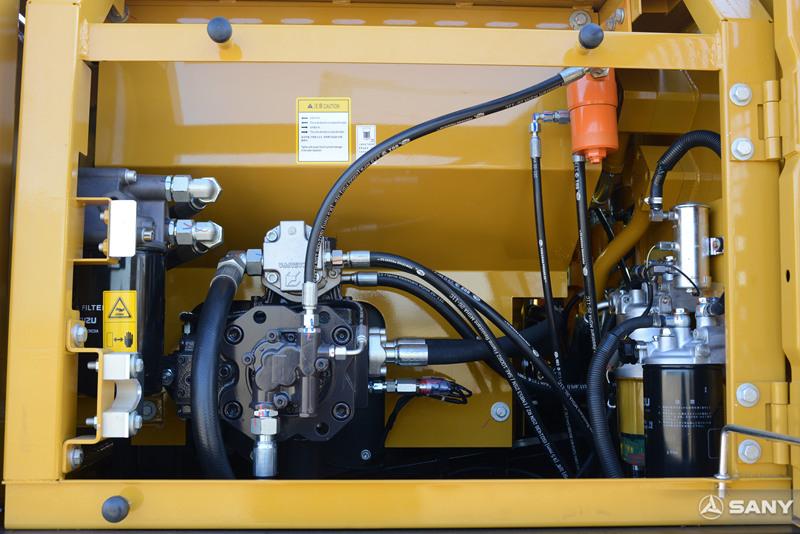 小型轮式钩机柱塞泵