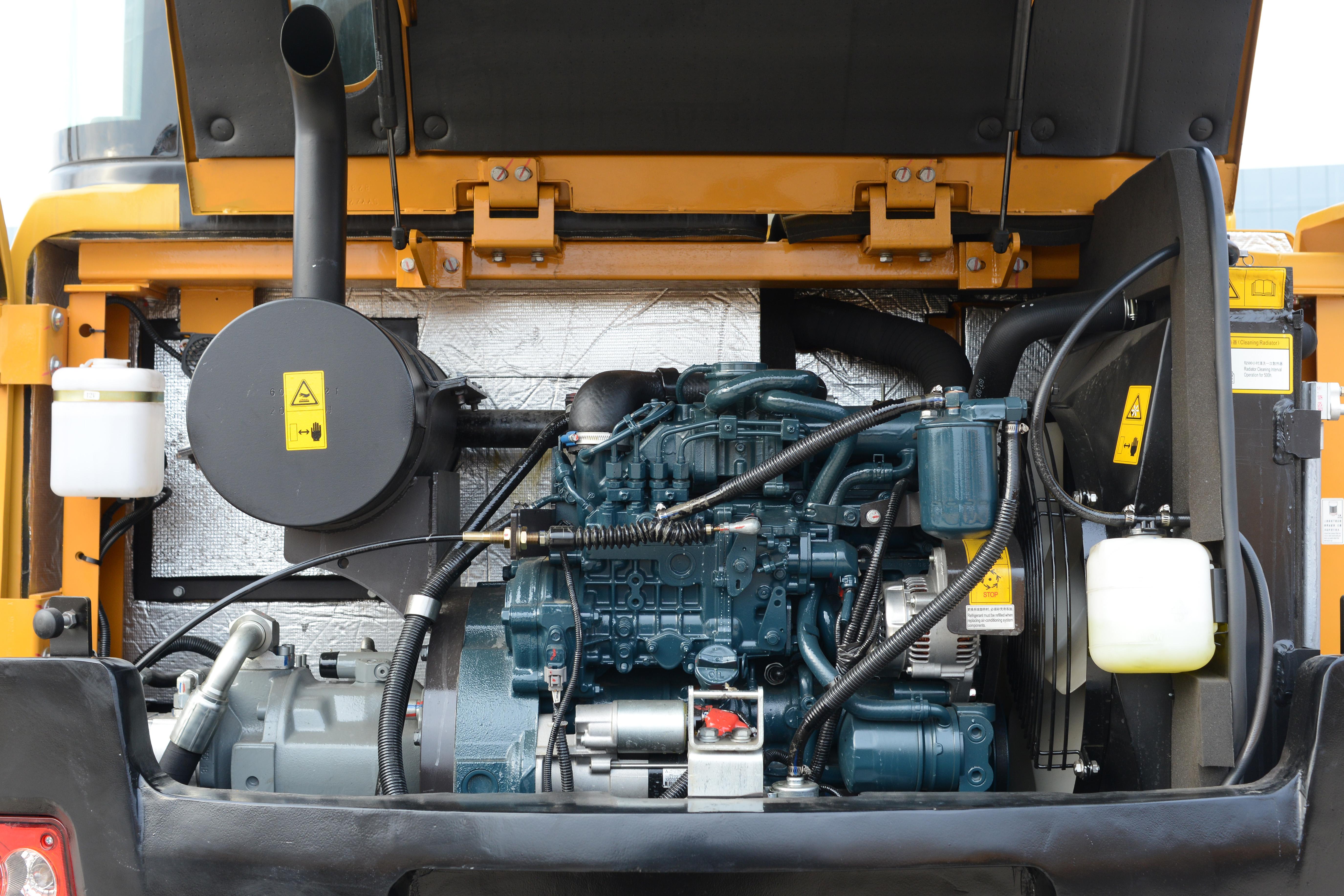 小型轮式挖掘机发动机
