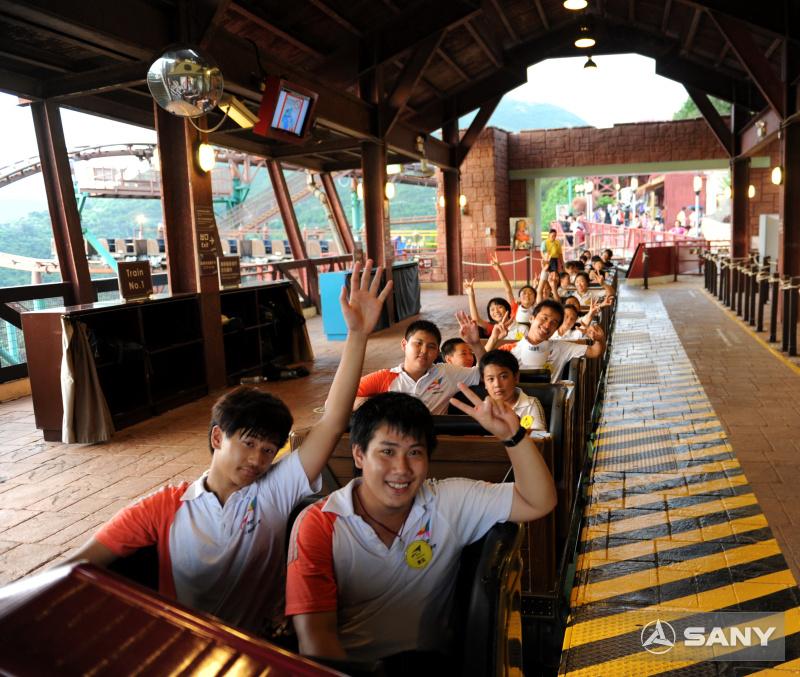 三一夏令营在香港海洋公园