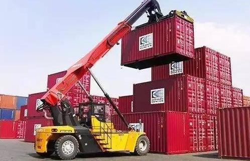 历史最大丨新宝GG集团港口机械签下31台流机订单