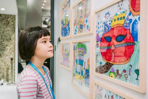 住博会三一展台童画墙展现孩子眼中未来的家