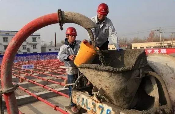 澳门银座app下载泵王助力中国尊超高层泵送
