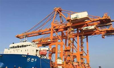 三一海洋重工岸桥完美登陆沙特延布港