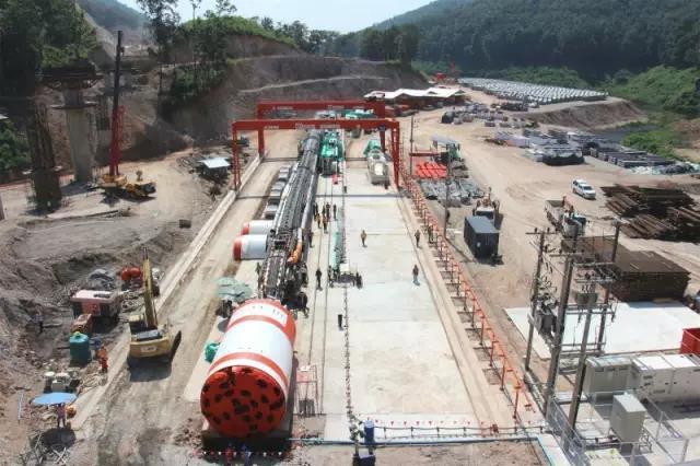 777真人双护盾TBM助力泰国引水工程