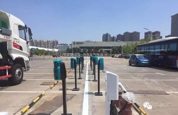 长沙新能源汽车行业再现新动作 三一众创首期32个充电桩将上线