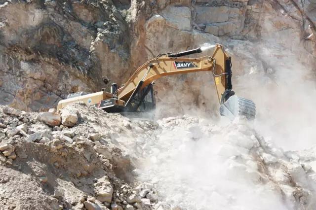 三一SY485H挖掘机:重矿利器 一年省油十几万