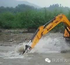 雨季施工 挖掘机这些注意事项你一定要知道