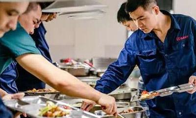烧菜也是软实力!带你逛逛「圈里最牛」的员工食堂