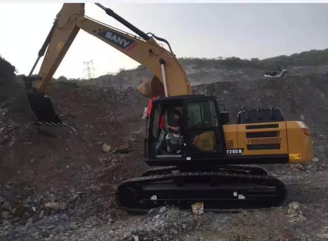 三一SY245H挖掘机,施工实拍,客户真实评价!