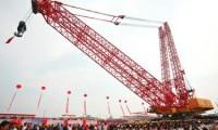 """文汇报:自主研发""""全球第*吊""""下线 一手提起3600吨"""