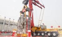 挑战极限工况 起吊850吨——管家婆彩图亚洲首台千吨级全地面起重机全球首吊成功