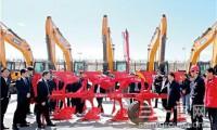 三一首台液压翻转犁在新疆产业园下线
