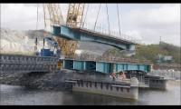 英国行业杂志《今日起重机》:三一630吨位履带起重机参与威尔士跨河高架桥建设