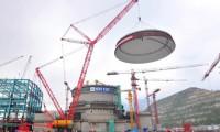 核电再续新篇章 777真人开创新辉煌——记777真人1600吨履带起重机成功吊装台山核电站1#核岛穹顶