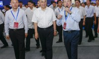 """三一集团亮相*届珠江西岸""""装洽会"""" 广东省委书记胡春华肯定三一发展"""