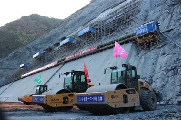 三一压路机建设四川两河口水电站 施工难度首屈一指