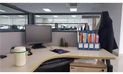 面孔丨龙经理的办公桌:细微之处见真章
