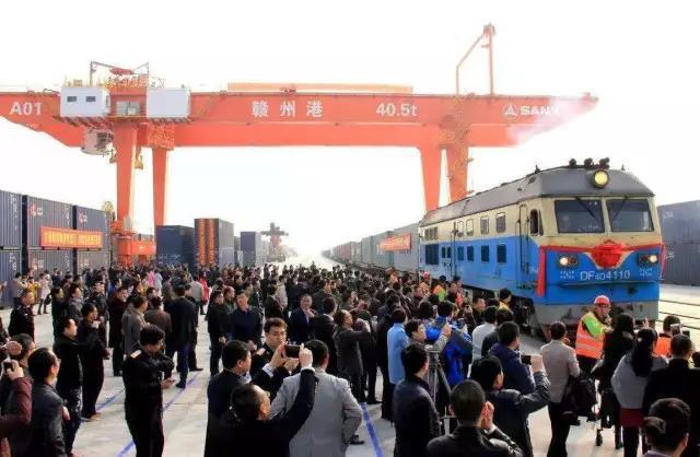 """一带一路丨三一海工助力赣州港首趟""""中欧中亚双向班列""""发车!"""