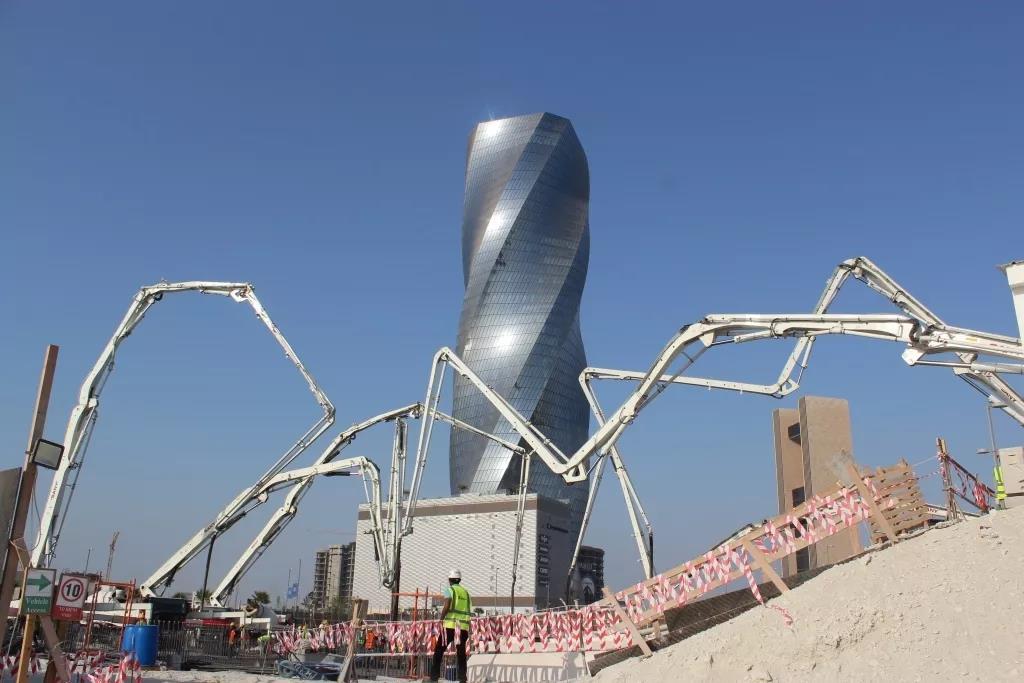 世界泵王扬威波斯湾!巴林新地标7700m地基浇筑一次完成