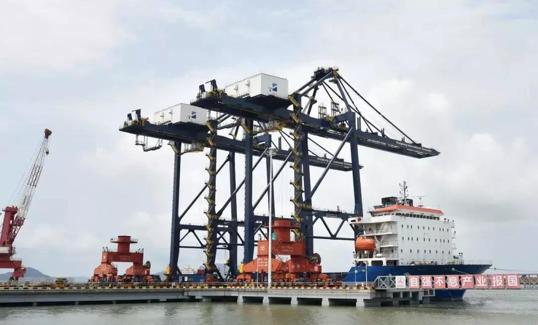 起航!三一自动化岸桥发货香港大码头