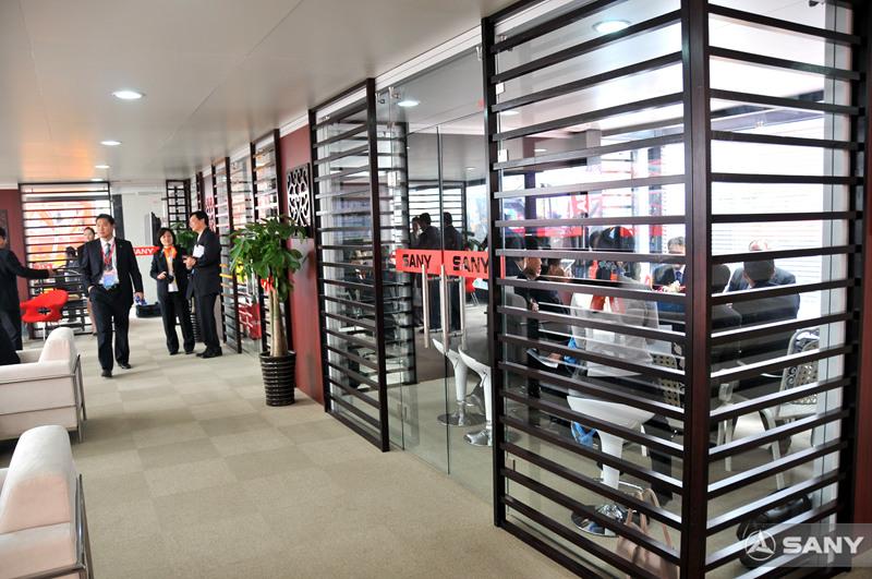 2008上海宝马展三一商务洽谈区