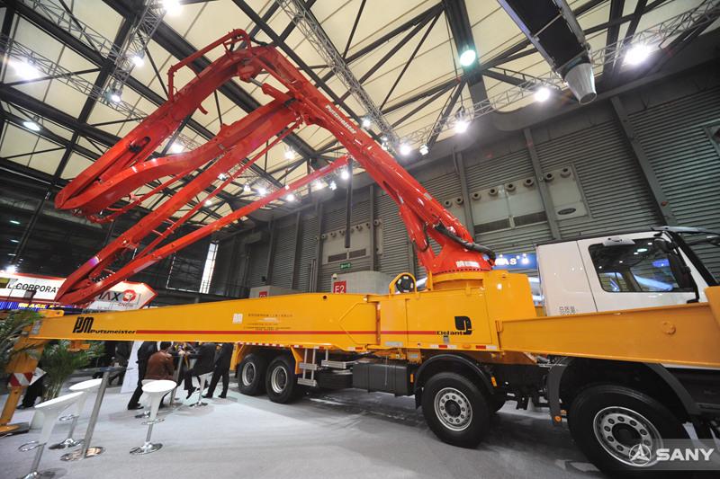 上海宝马展,三一86米泵车