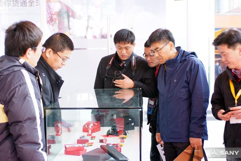 上海宝马展三一精品店人气火爆