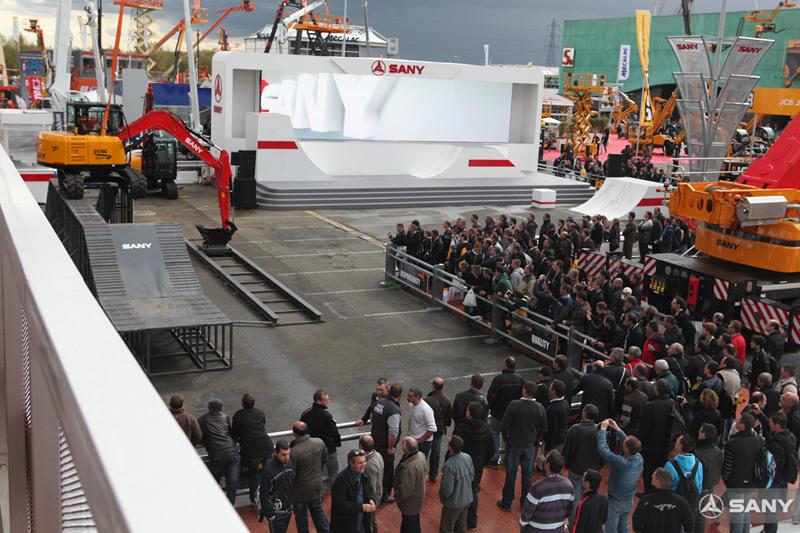 法国INTERMAT展,三一挖掘机表演