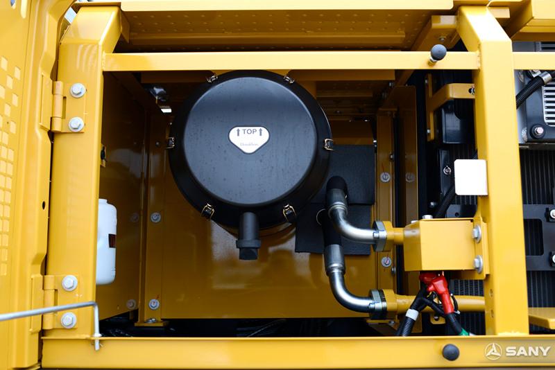 中型液压钩机空气滤芯