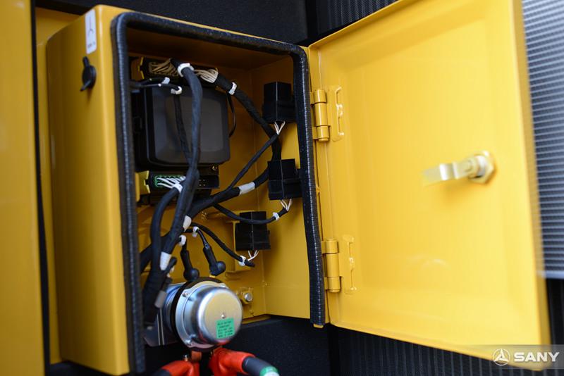SY215C-10电气柜