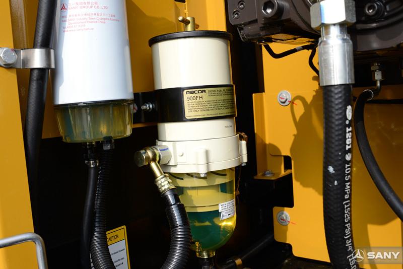 中型挖掘机油水分离器