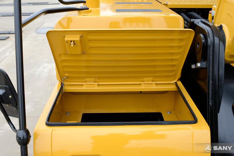 中型液压钩机工具箱