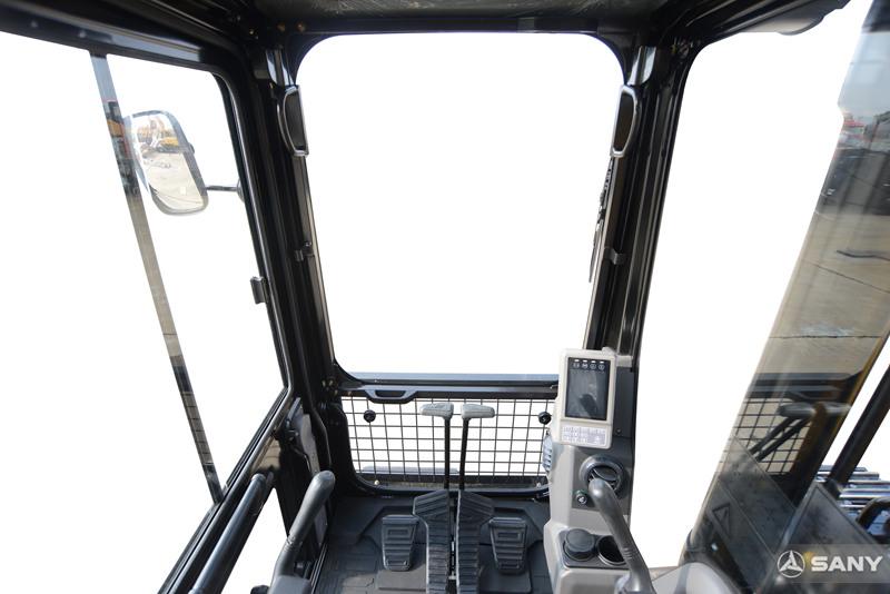 中型挖掘机驾驶室
