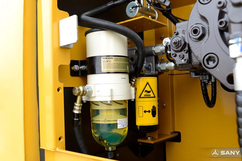 中型液压钩机油水分离器